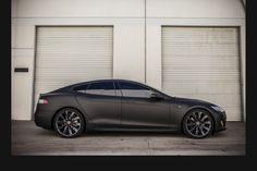 Tesla model S full matte black wrap Lawd! I'm so obsessed with matte black! Tesla Motors, Tesla S, Maserati, Bugatti, 2013 Tesla Model S, Matte Black Wrap, Good Looking Cars, Audi, Tesla Roadster