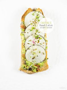 tartine of radish and guacamole - simple ingredients made fancy Raw Food Recipes, Veggie Recipes, Healthy Recipes, Vegan Appetizers, Appetizer Recipes, Easy Cooking, Cooking Time, Cereals And Pulses, Food In French
