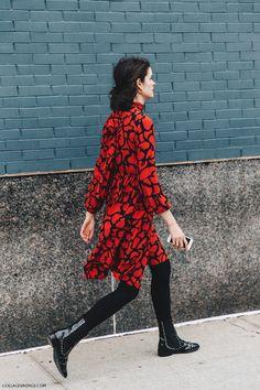 NYFW-New_York_Fashion_Week-Fall_Winter-17-Street_Style-Red_Dress-Michael_Kors-