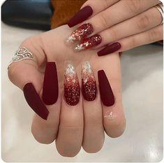 Burgundy Acrylic Nails, Burgundy Nail Designs, Fall Acrylic Nails, Red Nails, Maroon Nails Burgundy, Cute Acrylic Nail Designs, Fall Nail Designs, Glitter Nail Designs, Ombre Nail Designs