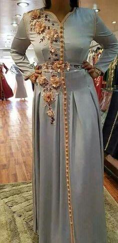 Dress Outfits, Fashion Dresses, Oriental Dress, Afghan Dresses, Arab Fashion, Moroccan Caftan, Caftan Dress, Princess Style, International Fashion