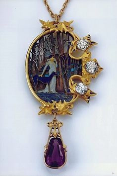 A gorgeous collection of Art Nouveau, Lalique Jewelry. This jewelry is breathtaking! Bijoux Art Nouveau, Art Nouveau Jewelry, Jewelry Art, Vintage Jewelry, Fine Jewelry, Silver Jewelry, Gold Jewellery, Wooden Jewelry, Jewelry Scale