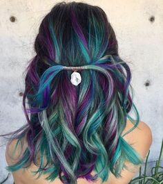25 refreshing Teal hair color ideas - hairstyles hair More - Bunte haare - Peacock Hair Color, Cool Hair Color, Hair Colors, Vivid Hair Color, Color Del Pelo, Balayage Blond, Purple Balayage, Balayage Color, Bright Hair