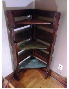 Corner pallet bookshelf