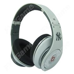 Monster Beats by Dr. Dre Studio High-Definition Headphones - New York Yankees Limited Edition  http://www.egamechina.net/monster-beats-by-dr-dre-studio-new-york-yankees-limited-edition-headphones.html