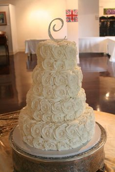 Rosette cake. Maybe a lil more shabby chic?! Ps I could make this for you EASY