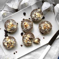 VEGAN EATS : Three Ingredients Muffin