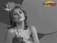 ✿ ❤ Perihan ❤ ✿ ♫ Nilüfer - Sensiz Olmaz (1982) (orjinal şarkı: Marie Myriam - Los Olvidados)(sözler: Yok sensiz olmaz,Dayanamam yokluğuna.Yok sensiz olmaz,Hiç zorlama beni buna.Çok denedik bunu biz, başaramadık.Ayrı ayrı yerlerde yaşayamadık. Yok sensiz olmaz,Nefes almadan yaşanmaz.Yok sensiz olmaz,Bunu başkası anlamaz.Ne güneşler doğar seni görmeyince,Ne de şarkılar söylenir gönlümüzce.Yok sensiz olmaz,Hayatın bir tadı kalmaz.Nefes almadan yaşanmaz. Çok denedim bunu ben…