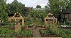 Kitchen Gardens - Design Chic  Reminds me of what my sweet dear friend Andrea would design and have...