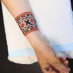 maori tattoos dainty drawings for women Maori Tattoos, Tattoos Bein, Maori Tattoo Designs, Body Art Tattoos, Henna Designs, Samoan Tattoo, Polynesian Tattoos, Hand Tattoos, Arm Cuff Tattoo