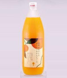 みかんジュース - Google 検索 Beverage Packaging, Food Packaging, Packaging Design, Drink Labels, Bottle Labels, Japanese Packaging, Tea Brands, Oriental Design, Japanese Design