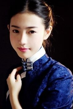 love collar(not good for personal body shape) color(ming pot blue) & embroidery(showy in a humble manner)