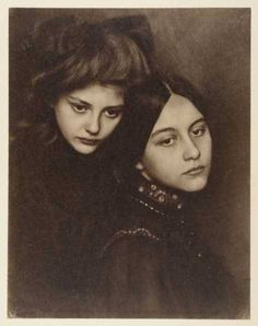 Ursula Falke (1895-1981), and her sister Gertrude (1890-1984).  Date of photo yet to be verified, as well as photographer.