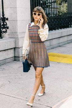 Fall Street Style Outfits to Inspire Herbst Street Style / Fashion Week Street Style Street Style Outfits, Looks Street Style, Autumn Street Style, Street Style Women, New York Fashion Week Street Style, Street Outfit, Street Wear, Fashion 60s, Work Fashion