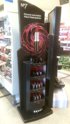 Boots No.7 FSDU - Temporary Display Unit - 3D Design - Cardboard Design - In-store Display