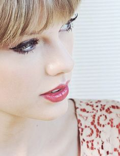 Taylor Swift.. she is lovely, sweet and funny. There are those who dislike her, but I think it is only because they do not have her talent and beauty and innocence... she is wonderful!