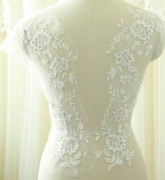 Off-White Lace Applique Silver Corded Lace Motif, Bridal Back lace Appliques Embroidery Floral Lace Trims for Prom Dress Ballgown Bridal Hair Flowers, Flower Headpiece, Lace Flowers, Floral Lace, Embroidered Flowers, Rose Lace, Embroidered Patch, Ivory Wedding, Bridal Wedding Dresses