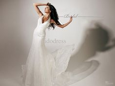 2013-fashion-lace-wedding-dresses-halter.jpg (1600×1200)