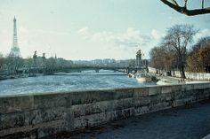 Beautiful Colour Photos of Paris in 1950