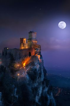 Guaita fortress by Ilhan Eroglu