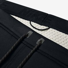 Nike ThermaSphere Max Men's Training Trousers. Nike Store UK #inspiration #BemisBags #details