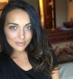 Алсу вернулась в соцсети и поделилась первым фото после родов - Woman.ru - интернет для женщин