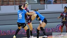 Ieri pe Arena Brest echipa de HANDBAL FEMININ S.C.M.CRAIOVA a disputat prima etapa din CUPA E.H.F., GRUPA A. BREST BRETAGNE – S.C.M.CRAIOVA25-22 (13-10) S.C.M. CRAIOVA :Dumanska, Stanciu – Radoi, Trifunovic (2 g.), Selaru, Pricopi, Țicu (3 g.), Popescu, Nikolic (3 g.), Elisei (5 g.), Klikovac (2 g.), Vizitiu, Florianu (7 g.). Antrenori:Bogdan BURCEA, Dumitru BERBECE, ...