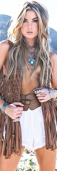 BOHO CHIC. Gypsy jewelry, necklace, bracelets. For more follow www.pinterest.com/ninayay and stay positively #pinspired #pinspire @ninayay