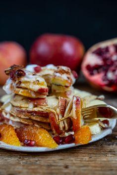 Gesunde Apfelküchlein - Apfel Pfannkuchen vegan Mrs Flury  Gesunde Apfelpfannkuchen vegan, Öpfelchüechli, Apfelküchlein Rezept  Apfel Pfannkuchen, Frühstück, Brunch, Apfelradel, Öpfelchüechli Rezept, gesund, gesund essen, gesunde Pfannkuchen, vegane Pfannkuchen  Pfannkuchen Rezept, einfach, gesunde Rezepte, Apfel Pancakes, ohne Eier, ohne Milch, Pfannkuchen ohne Eier, vegane Pfannkuchen  #apfelpfannkuchen #gesunderezepte #apfelpancakes #gesundbacken #vegan #mrsflury Comfort Food, Vegan Sweets, Cravings, Sweet Tooth, Food And Drink, Treats, Vegetables, Cooking, Breakfast