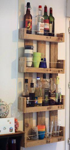 Meuble tag re de cuisine etag res en bois de palette for Etagere de cuisine en palette
