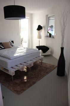Gestapelt, gehämmert, geklebt - Möbel aus Euro-Paletten | SoLebIch.de