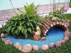 10 Creative and Unique Small Garden Decor Ideas - Simphome Garden Yard Ideas, Garden Crafts, Garden Projects, Unique Garden Decor, Backyard Ideas, Diy Projects, Amazing Gardens, Beautiful Gardens, Small Garden Design