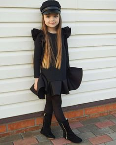 "Voici Anastasiya, la nouvelle ""plus belle petite fille du monde"" Outfits Niños, Cute Girl Outfits, Little Girl Outfits, Little Girl Fashion, Kids Outfits, Little Girl Clothing, Boy Clothing, Toddler Outfits, Toddler Girls"