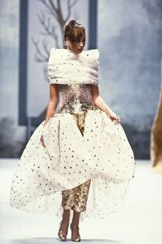 Christy Turlington walked for CHANEL Couture 1991