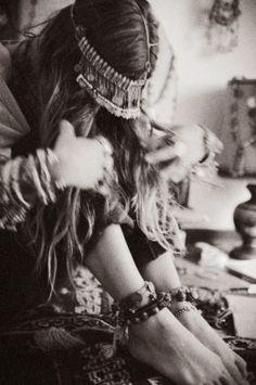 bohemian boho style hippy hippie chic bohème vibe gypsy fashion indie folk dress top free people peace rustic good vibes ethnic free spirit vintage crochet lace jewelry