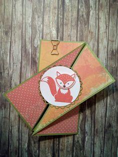 Diagonal Gate Fold Card mit Foxy Friends in Olivgrün Flüsterweiß Calypso Espresso und DSP