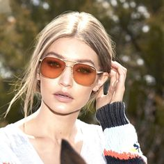 #GigiForVogueEyewear #ShowYourVogue #oculosvogue #instafashion #instastyle #instamoda #cute #Officina7store Gigi Hadid Looks, Vogue, Gigi Hadid Photoshoot, Gigi Hadid Pictures, Estilo Gigi Hadid, Oakley, Celebrity Sunglasses, Fashion Photography Poses, Famous Models