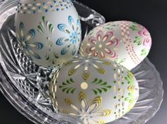 Carved and Wax Embossed Set of 3 Pysanky Eggs, Easter Eggs, Madeira Eggs, Drop Pull Eggs Christmas Mandala, Egg Shell Art, Egg Drop, White Gift Boxes, Egg Shells, Dot Painting, Holiday Decorations, Emboss, Easter Eggs