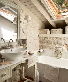 57 Exposed stone wall ideas for a modern interior Stone Interior, Modern Interior, Stone Bathroom, Diy Kitchen Island, Stone Kitchen, Chic Bathrooms, Beautiful Bathrooms, Bathroom Interior, Home Deco