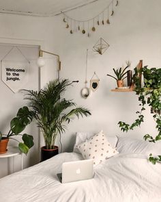 50 practical and inspiring design ideas for bedrooms ., 50 practical and inspiring bedroom design ideas - Pin Coffee 50 Inspiring Practical Bedroom Design Ideas When historical with thought, your pergola is going through a modern. Room Ideas Bedroom, Home Bedroom, Bedroom Decor, Bedrooms, Bedroom Inspo, Bedroom Designs, Hippy Bedroom, Uni Room, Cute Room Decor