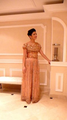 La blouza oranaise   [b]  La Blouza wahrania : la robe de la ville d'Oran et d'une grande partie de l'Oranie. Elle se compose en...
