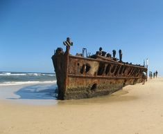 Australia's most popular route is the East Coast. Find out how to do it and where to go for the perfect itinerary for your East Coast Australia Road Trip Fraser Island Australia, Coast Australia, Queensland Australia, Abandoned Ships, Abandoned Places, Lombok, Ghost Ship, Old Boats, East Coast