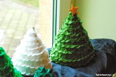#ChristmasTree made out of #tissuepaper  full #instruction of this wonderfull #handmade #masterpiece - #diy