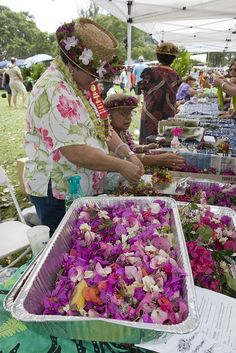 Making lei's from flowers by Wanderer and Wonderer, via Flickr