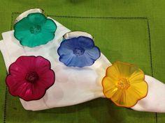 Llena de color tu mesa con estos hermosos aros de servilletas. Un detalle unico a la hora de recibir invitados.