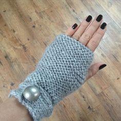 Darth Vader Head, Vader Star Wars, Crochet Bolero, Knit Crochet, Hand Gloves, Fingerless Mitts, Knit Mittens, Knitting Accessories, Arm Warmers
