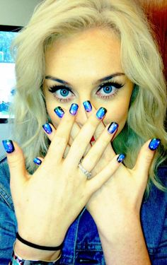 Perrie Edwards(Little Mix) Elegant touch nails.I am determined:) Elegant Touch Nails, One Direction Girlfriends, Carrie Brownstein, Miranda July, Annie Clark, Natasha Lyonne, Celebrity Nails, Galaxy Nails, Florence Welch