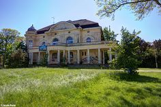 Haus Am Meer (D) May 2014 abandoned villa in the former East Germany urbex decay Photo by: Jascha Hoste