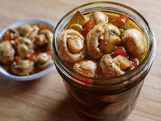 Marinated Mushrooms - for bloody marys or just snacking. Marinated Mushrooms, Stuffed Mushrooms, Garlic Mushrooms, Antipasto, Jai Faim, Real Food Recipes, Healthy Recipes, Good Food, Yummy Food