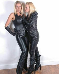 Serve & obey us Mark Shavick! Black Leather Gloves, Leather Trousers, Botas Sexy, Leder Outfits, Madame, Leather Fashion, Clubwear, Models, Sexy Women